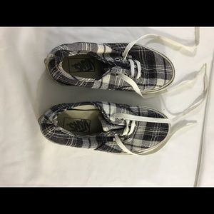 Vans off-the-wall gray and white plaid men size 4